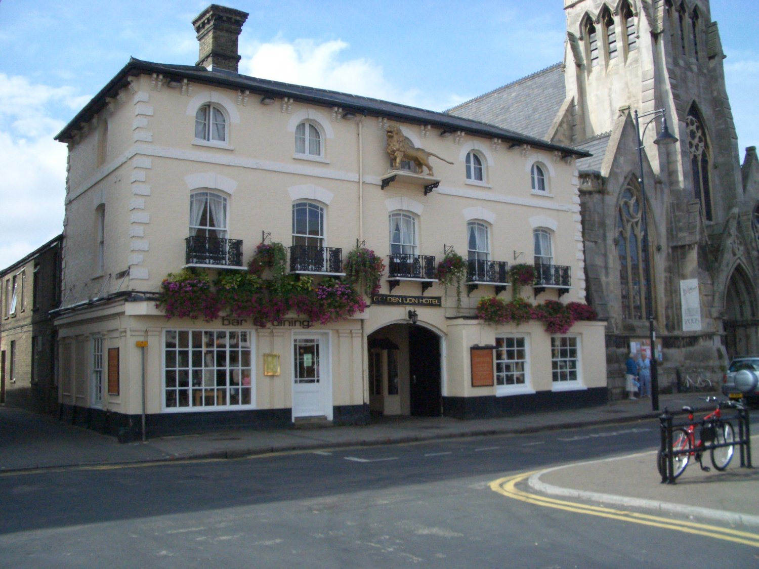 Picture of Golden Lion Hotel