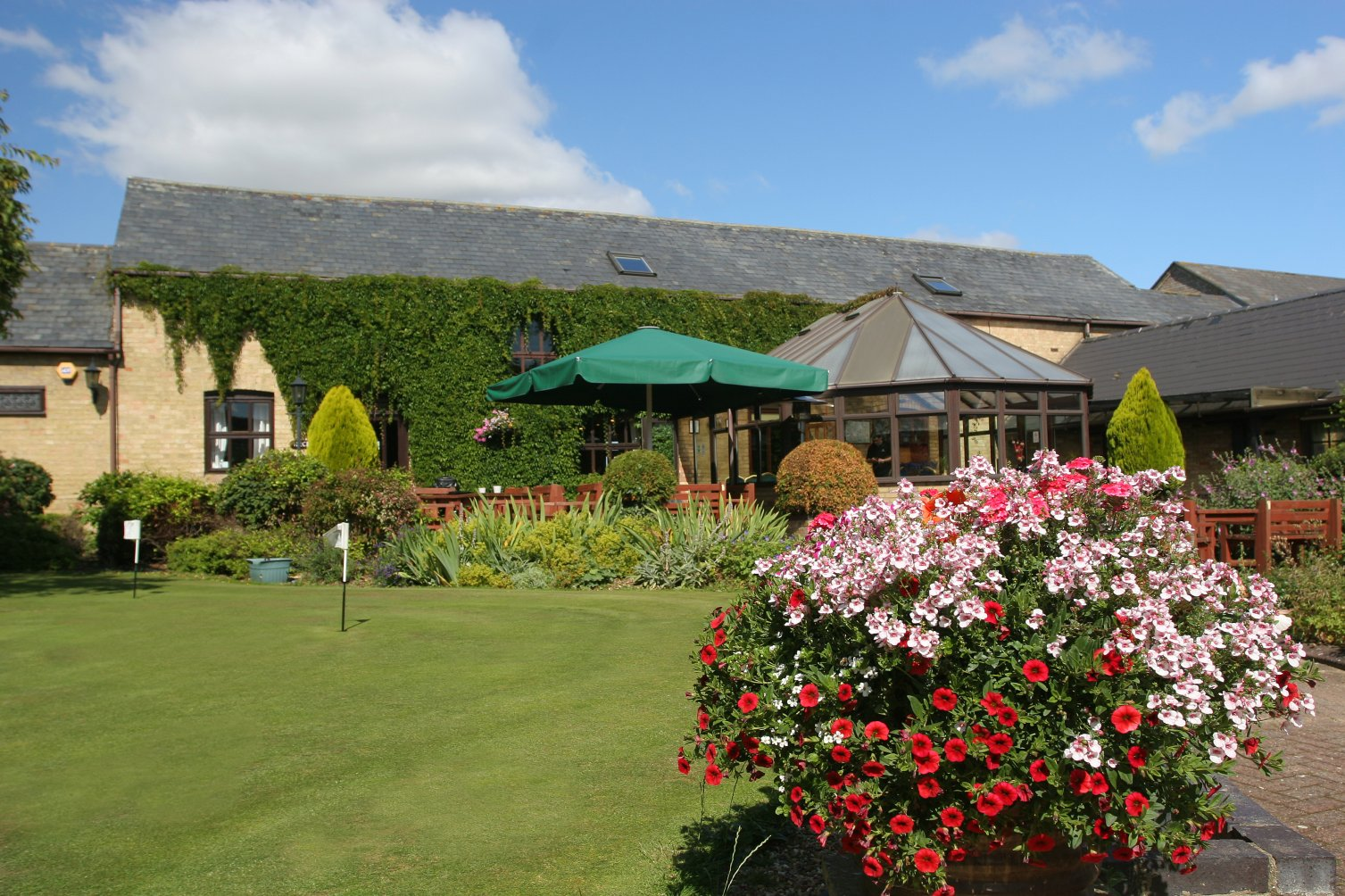 Picture of Abbotsley Golf Hotel